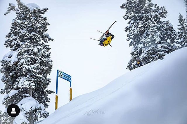 #PHGB athlete @tetonbrown SENDING @sunvalley 🤯 We love being based in this small ski town! With more snow on the way, we will be hard at work in the kitchen crafting our small batch and uniquely flavored #trailmix 🤘🏼#fuelyouradventure #givebacksnacks 📷 : @noahwetzel