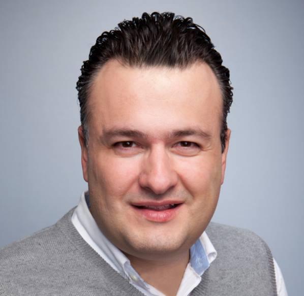 Manfred Pérez    Cofundador