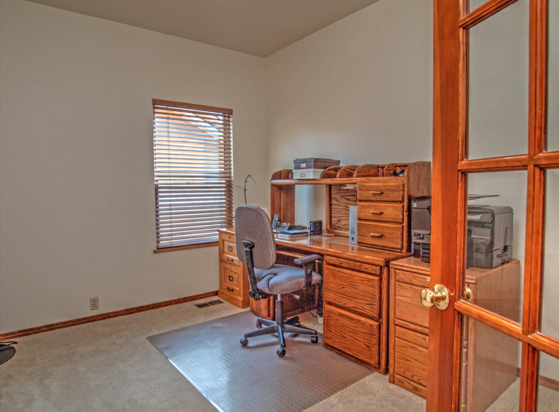 20-1581-Office.jpg