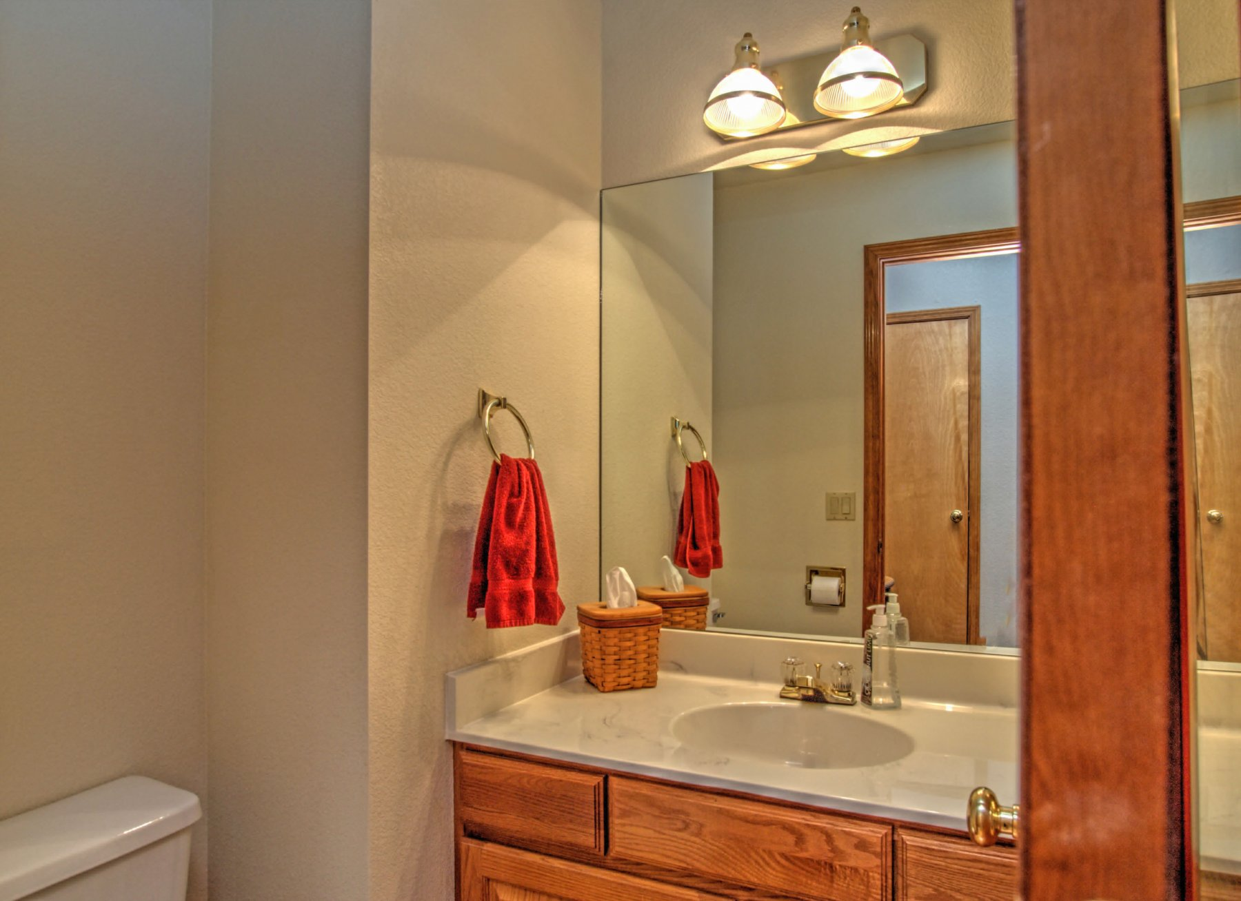 21-450-BathHalf.jpg
