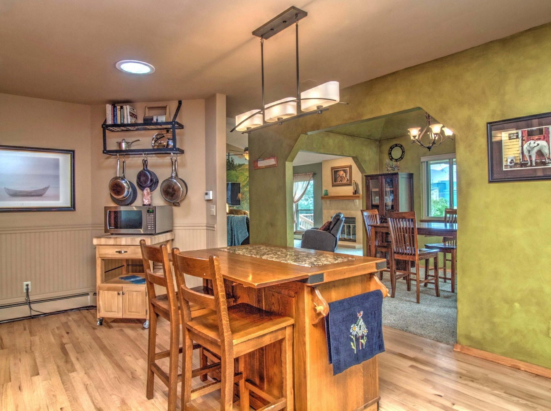 15-1619-Kitchen4.jpg