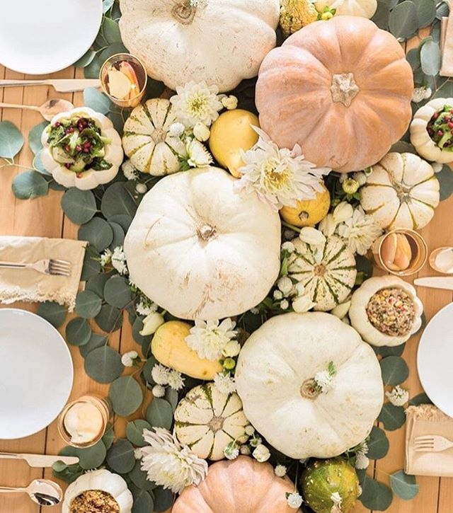 Pre thanksgiving feels 🍁🍂 hope everyone is enjoying some quality family time! And stay tuned for our cyber Monday deal (we think you'll love it 😉) #loungepretty #thanksgiving #family #shopsmall #cybermonday #madeinnyc 📷: @glitterguide