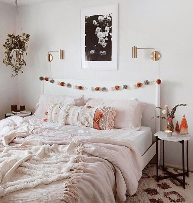 • Sweet Sunday • #loungepretty #bedallday #sunday #vibes 📷: @glitterguide