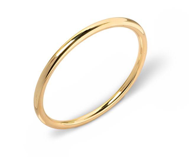 Yellow gold round bangle.