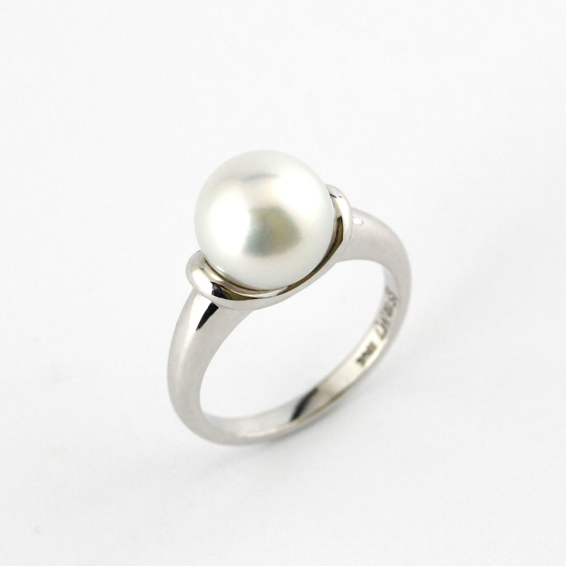 South sea pearl set in white gold ring.