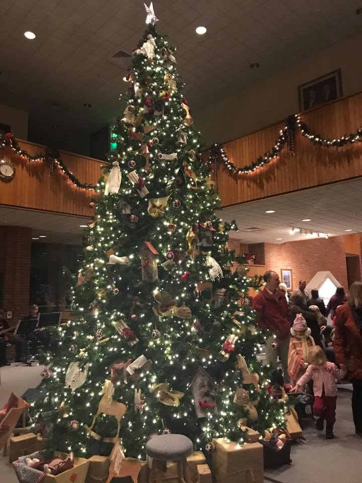 Nauvoo Illinois Christmas tree lighting