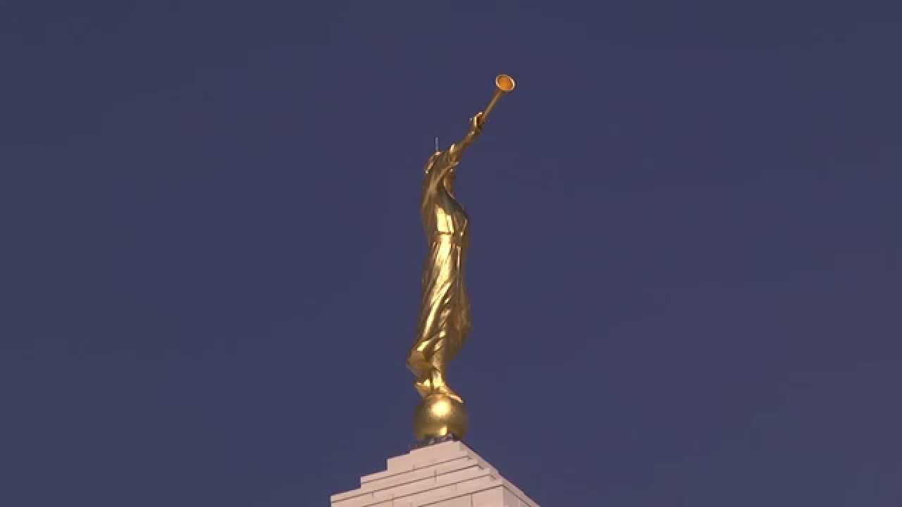 Angel Moroni Statue LDS Temple book of Mormon248.jpg