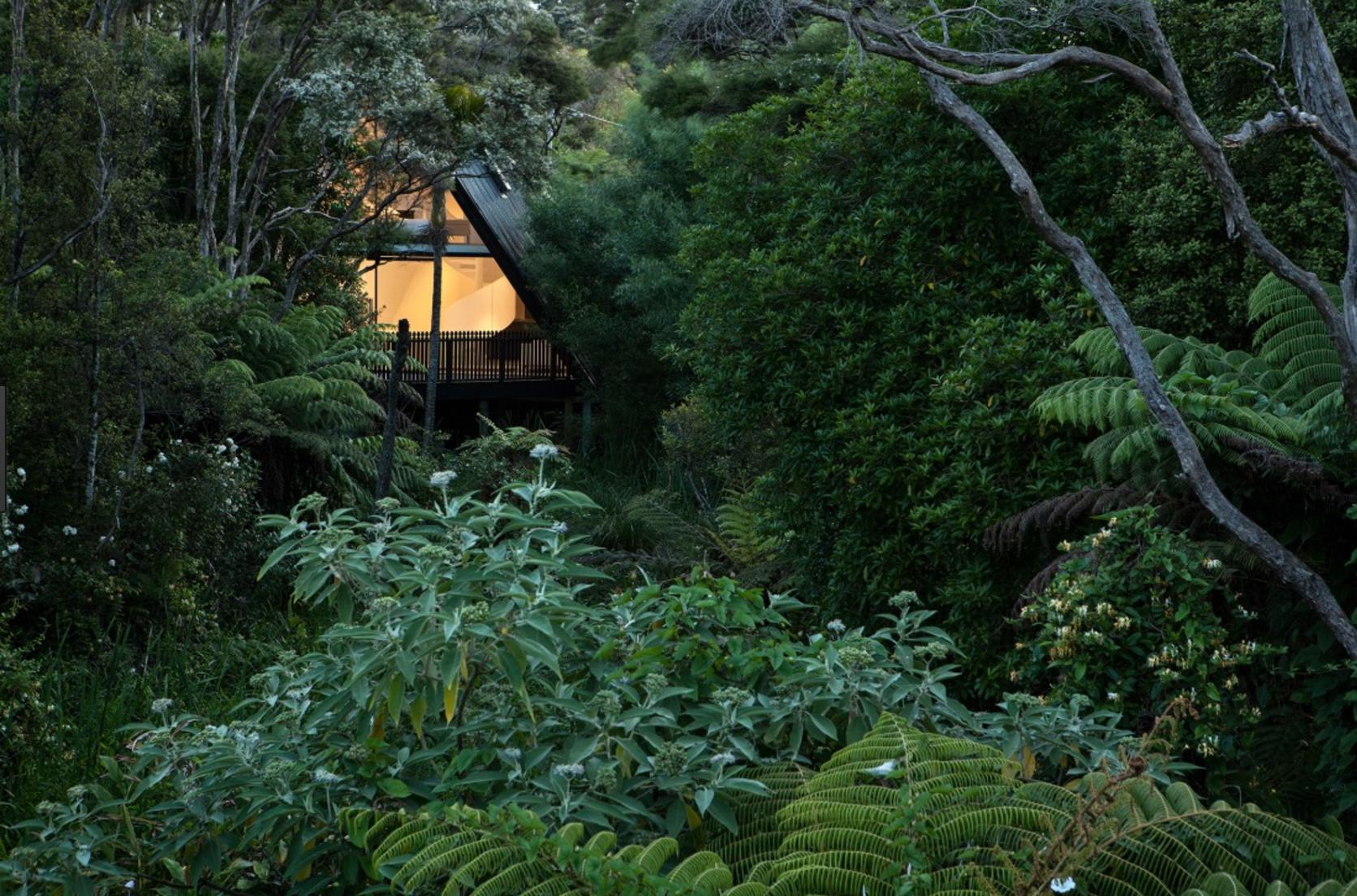 TENT HOUSE 📷 Simon Devitt