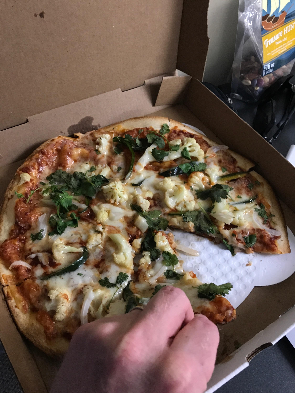humble pie bbq cauliflower pizza