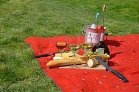 picnic-977866__180.jpg
