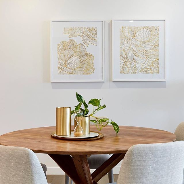 I love the relaxed and tonal palette of the furnishings in one of our latest displays for @aveonewstead  #interiordesign #styling #interiordesigner #brisbane #seniorsliving #retirementliving @designbybrutus @derlindesign