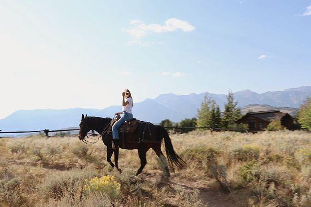 Selling everything and buying a ranch in Wyoming 👋🏻