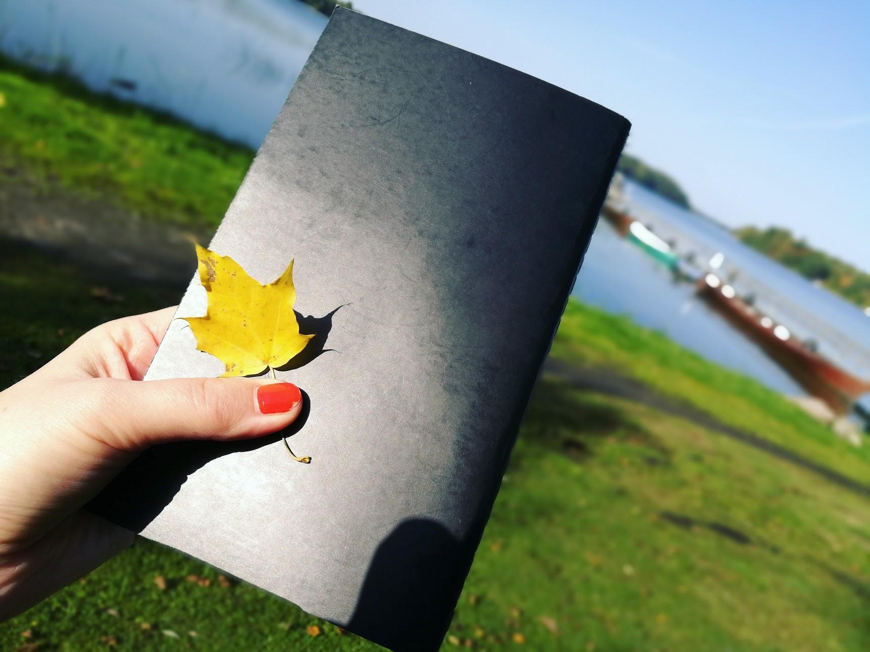 häfte och löv.jpg