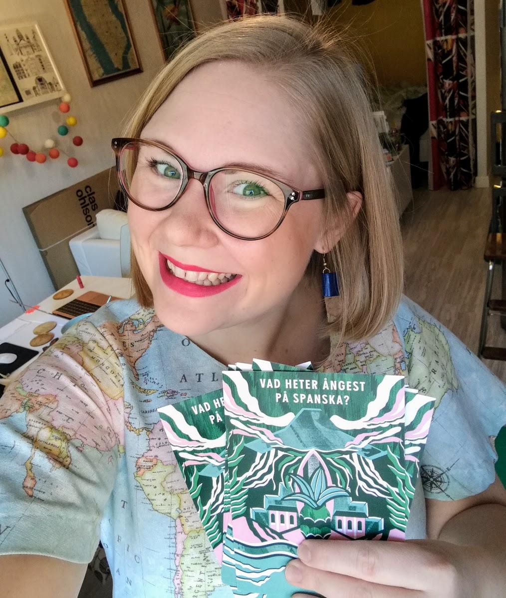 Mitt sätt att bota nervositet? Kartklänning + läppstift!