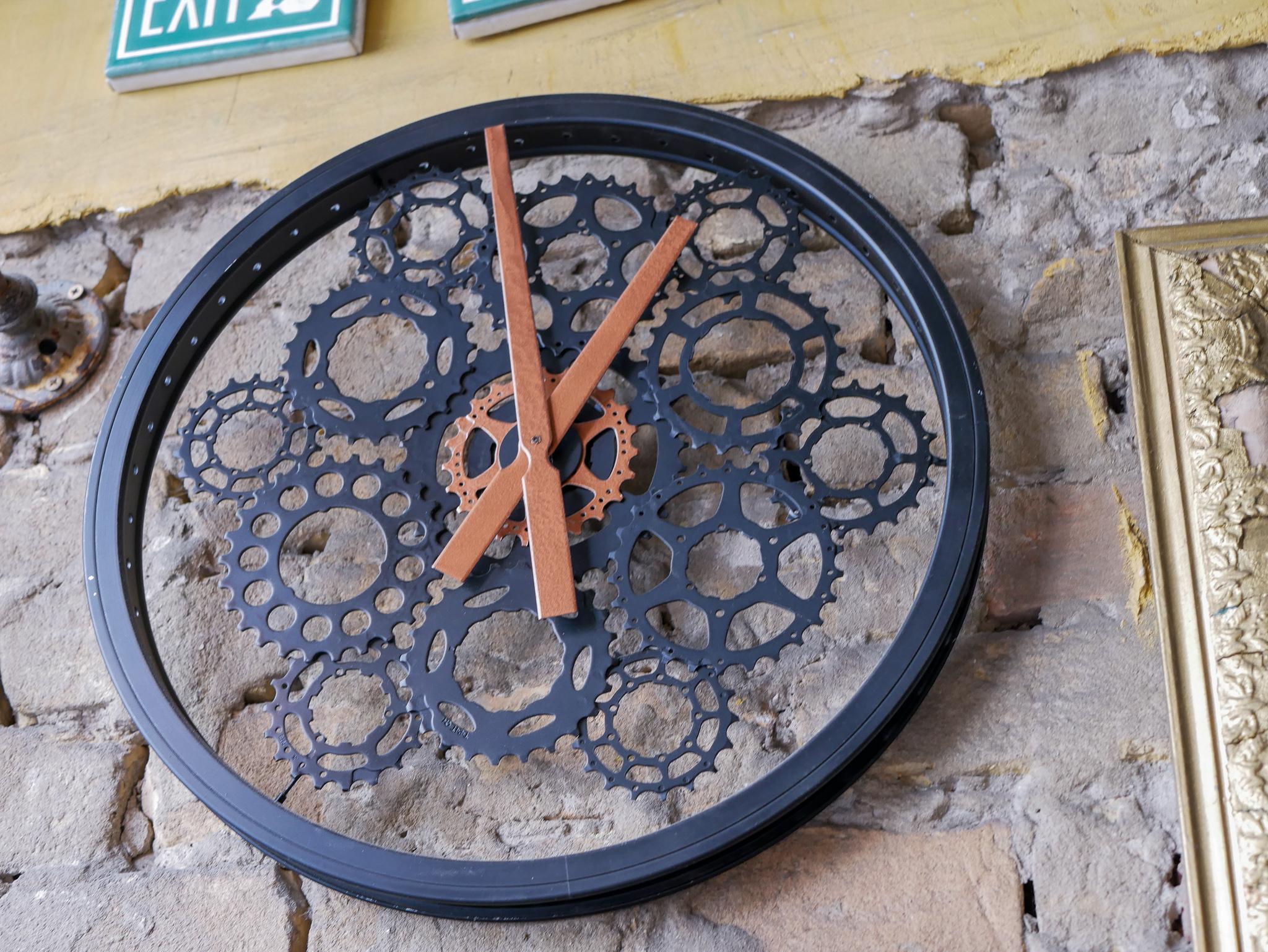 Måste vi jobba så många timmar? Hur länge orkar kugghjulen (höhö) snurra på?