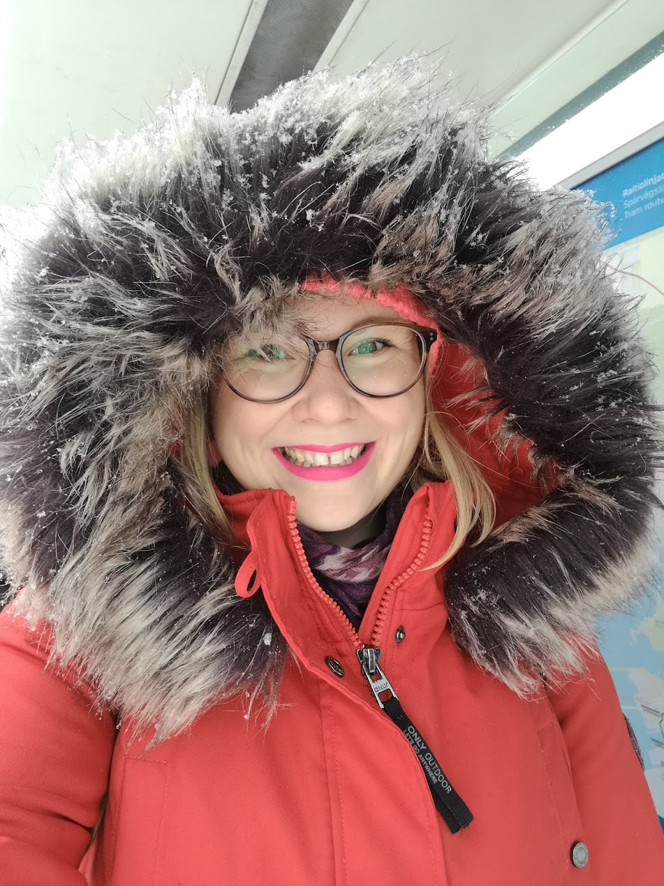 Ändå glad poet på polarexpedition i början av april.