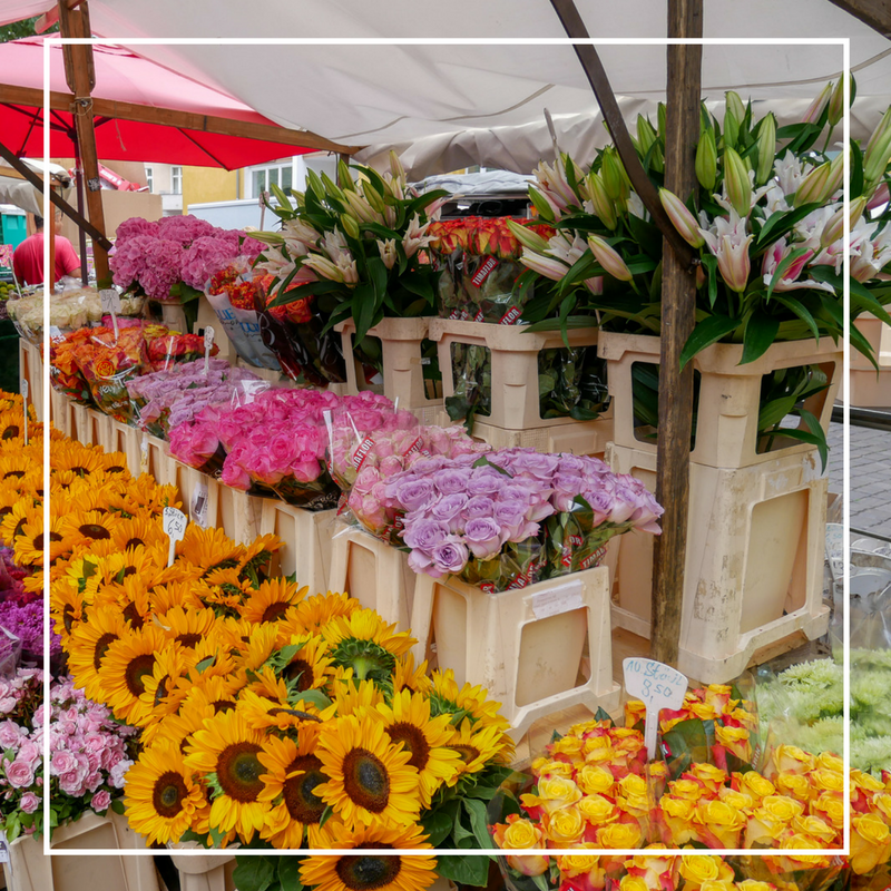 Marknad vid Maybachufer - Varje tisdag och fredag, året runt, är det turkisk marknad vid Maybachufer. Här hittar du allt mellan himmel och jord.