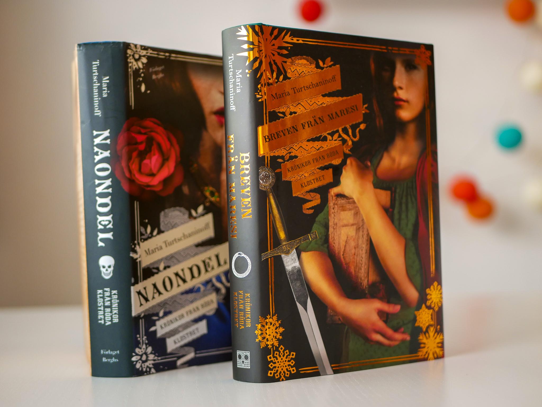 Två favoritböcker. Har också Maresi, men den är utlånad, men minns så klart inte till vem.