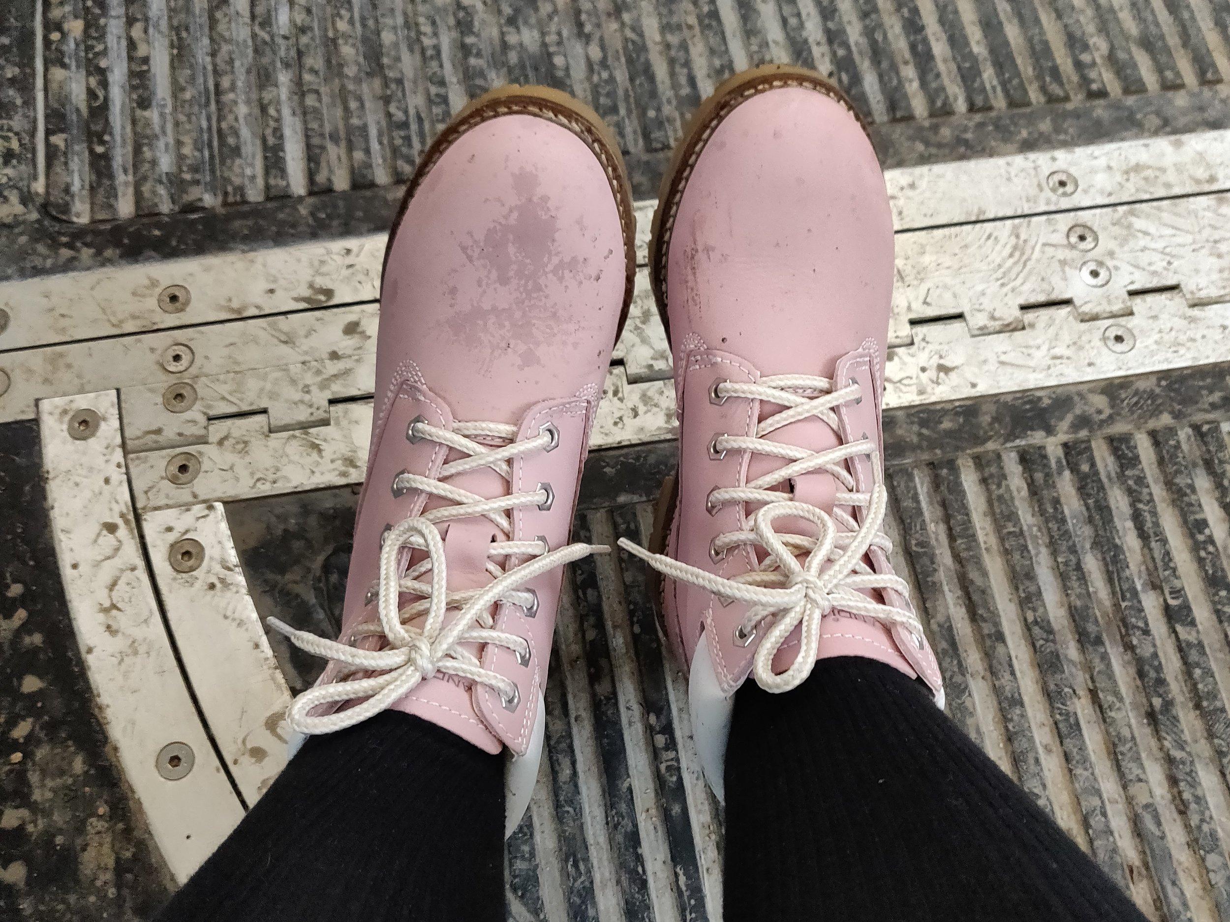 Kanske rosa inte var så smart färgval på vinterskor i ett slaskigt Helsingfors, men älskar färgen!