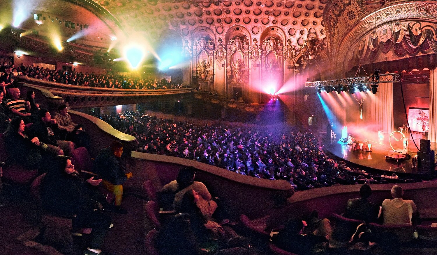 Lucent Dossier Los Angeles Theater Broadway photog Wendell Benedetti big Crowd .JPG