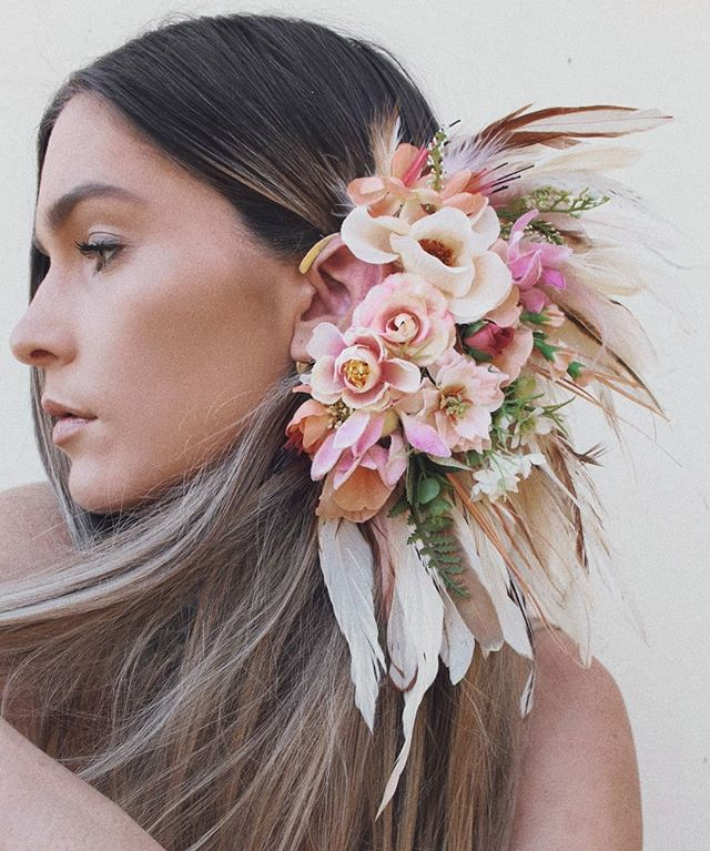 Ear cuffs 🌸 Which is your favorite? I'm loving number 4.. pretty obsessed with Australian native flowers atm!  #earcuffs #nativeflowers #feathers #earcuff #floral #flowercrown #hairflowers #fascinator #peonies #gumnuts #weddingflowers