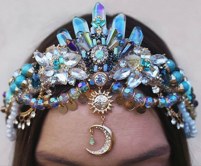 """ALRIGHT YOU MAGNIFICENT HUMANS seeing as it's only a few months before I will be pushing a human out my front bum I thought I'd ask what you guys want me to make for my shop? Any special request? Sunnies, cuffs, bras, flowercrowns, lace earings, mermaid crowns or I'm loving these shell-less beaded designs atm.. thoughts?  I will also only have my """"build a crown"""" custom crown option on my website available for another 2 weeks so if you were ever wanting a crown from me now is the time to order!  #mermaidhair #mermaidcrown #crystals #crystalcrowns #crystalcrown #sunsandmoons #handmade #gemstones #mermaid #flowercrowns"""
