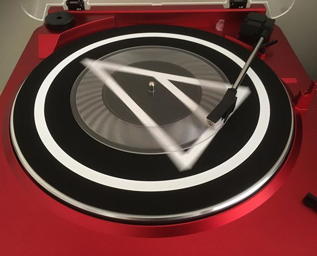 What??? The test cut of the new Hidden Currents single on VINYL.  CLEAR VINYL. #hiddencurrents #hiddencurrentsband #vinyl #vinylsingle #clearvinyl #vinylrecord #indie #indierock #dreampop #postrock #shoegaze #singer #songwriter #musicaustralia #musicvictoria #melbournemusic #audiotechnica