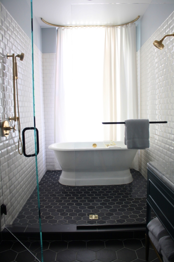 ElizaJane-DallasShaw-TellYourTale-Bathroom.jpg