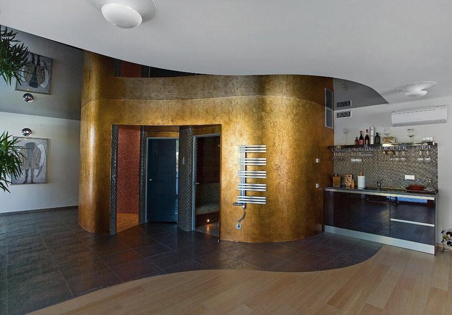 1. 22KT aukso lapeliais dengtas lygus paviršius. Privatūs apartamentai.Vilnius, Lietuva.