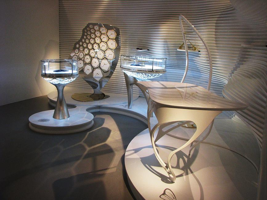 39. Paladžio lapeliais dengti baldai. Euroshop 2011m. Diuseldorfas, Vokietija.