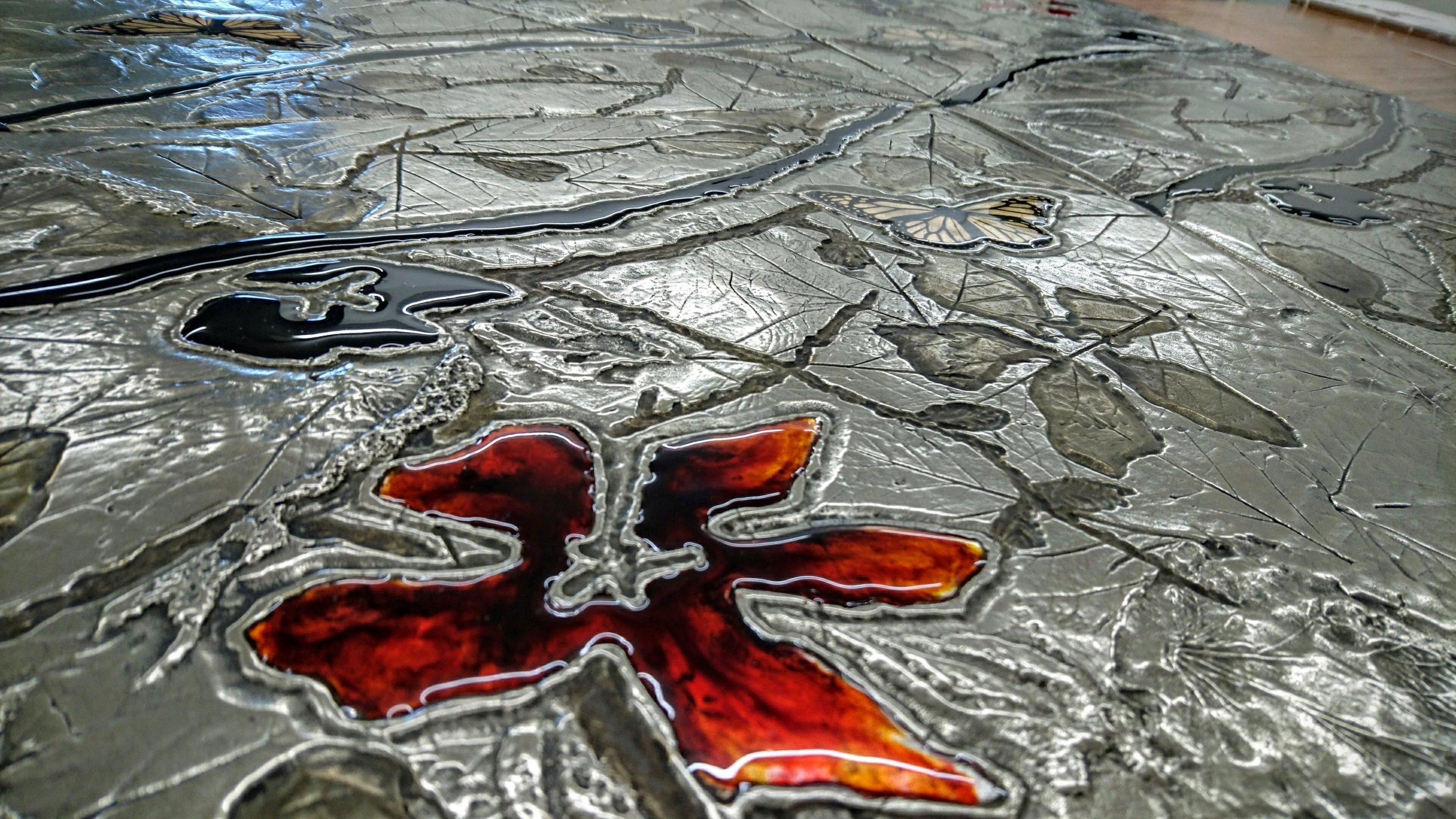 65.Dekoratyvinis pano. Reljefas dengtas platina, stiklu.