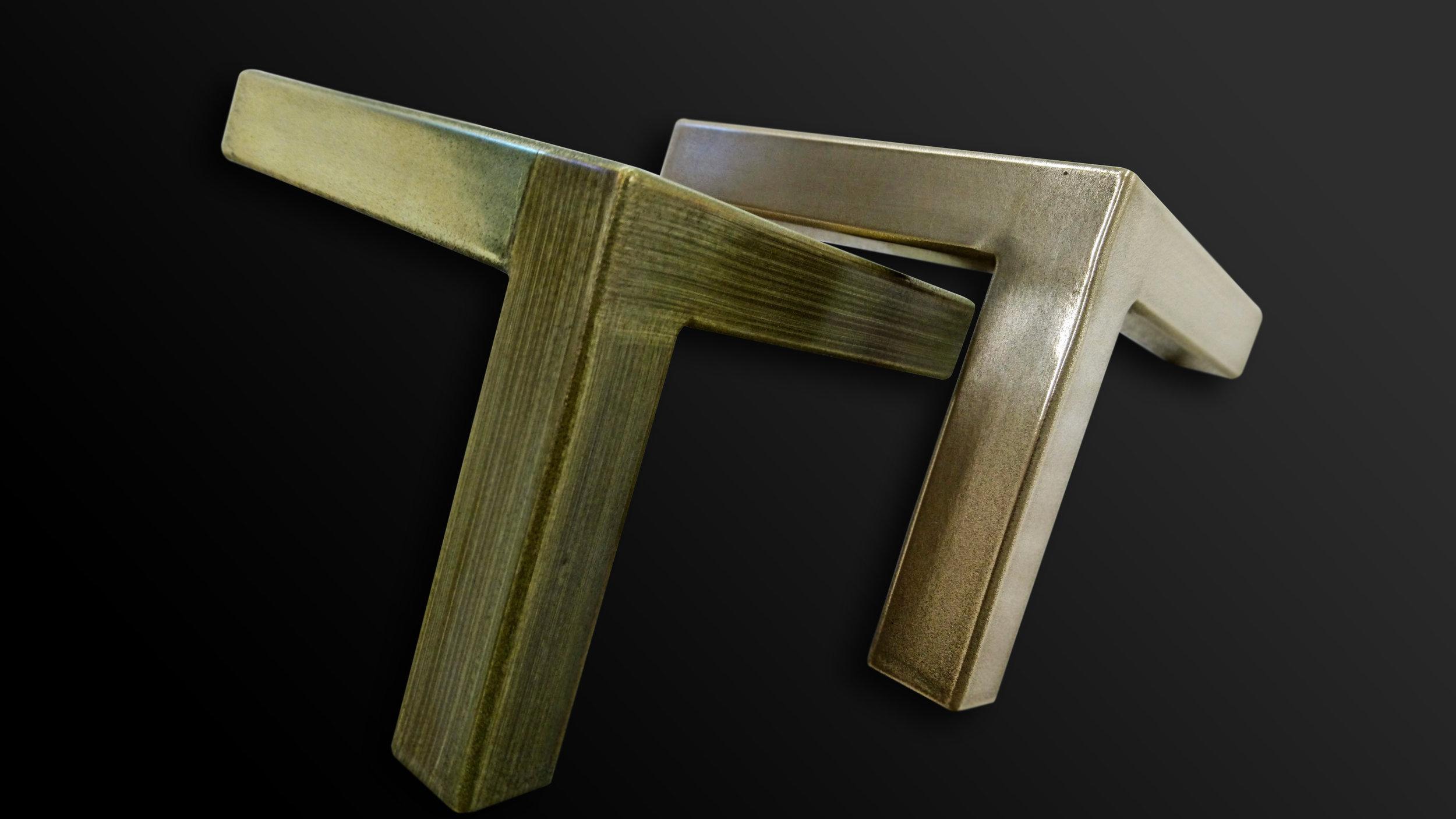 44. Plieninės detalės padengtos žalvariu ir bronza