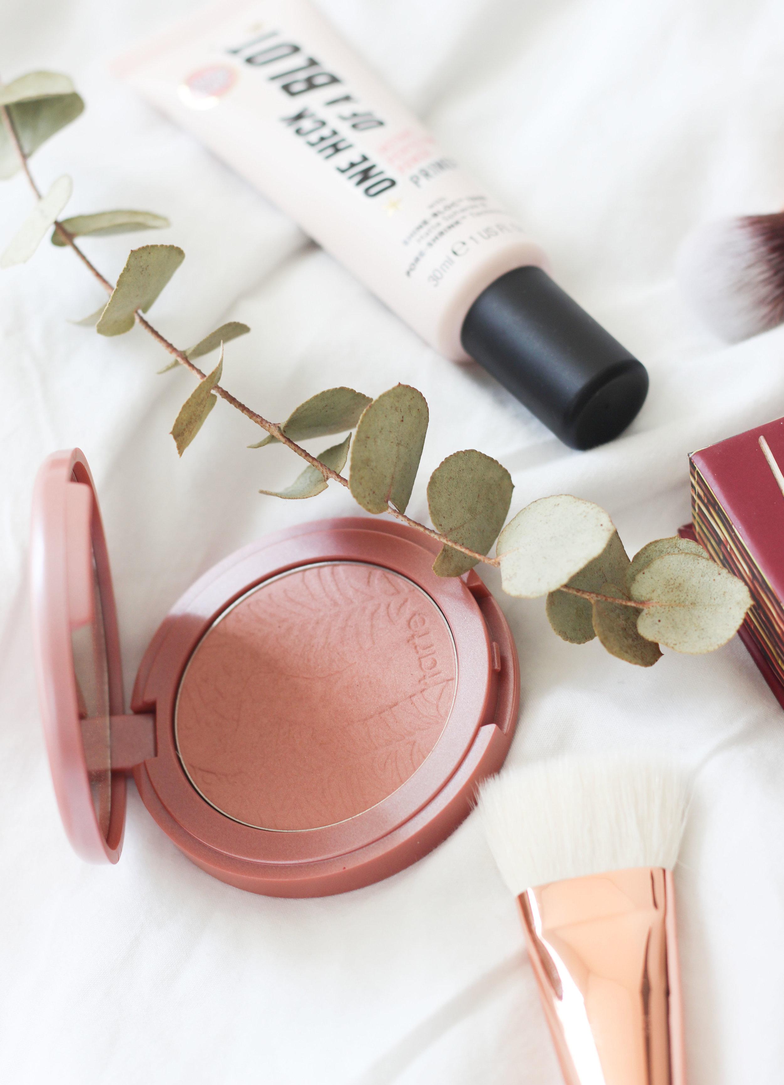 makeupflatlay2.jpg