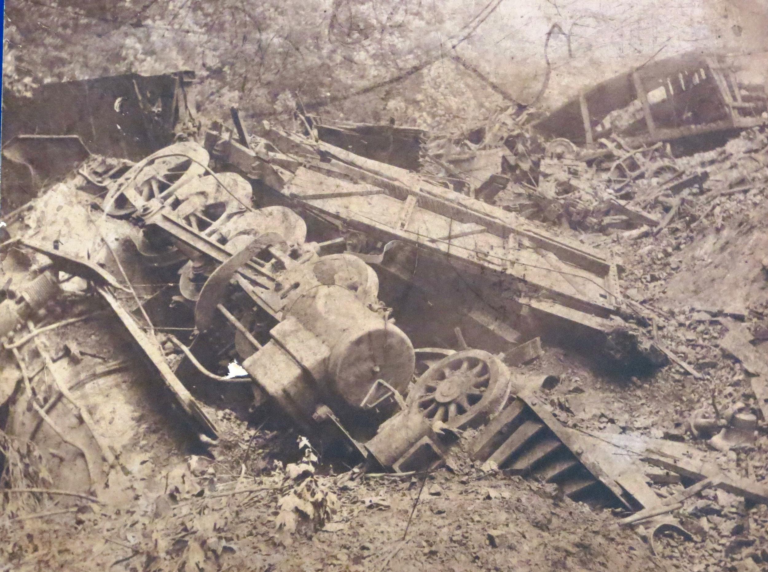 Wreck train on grade.jpg