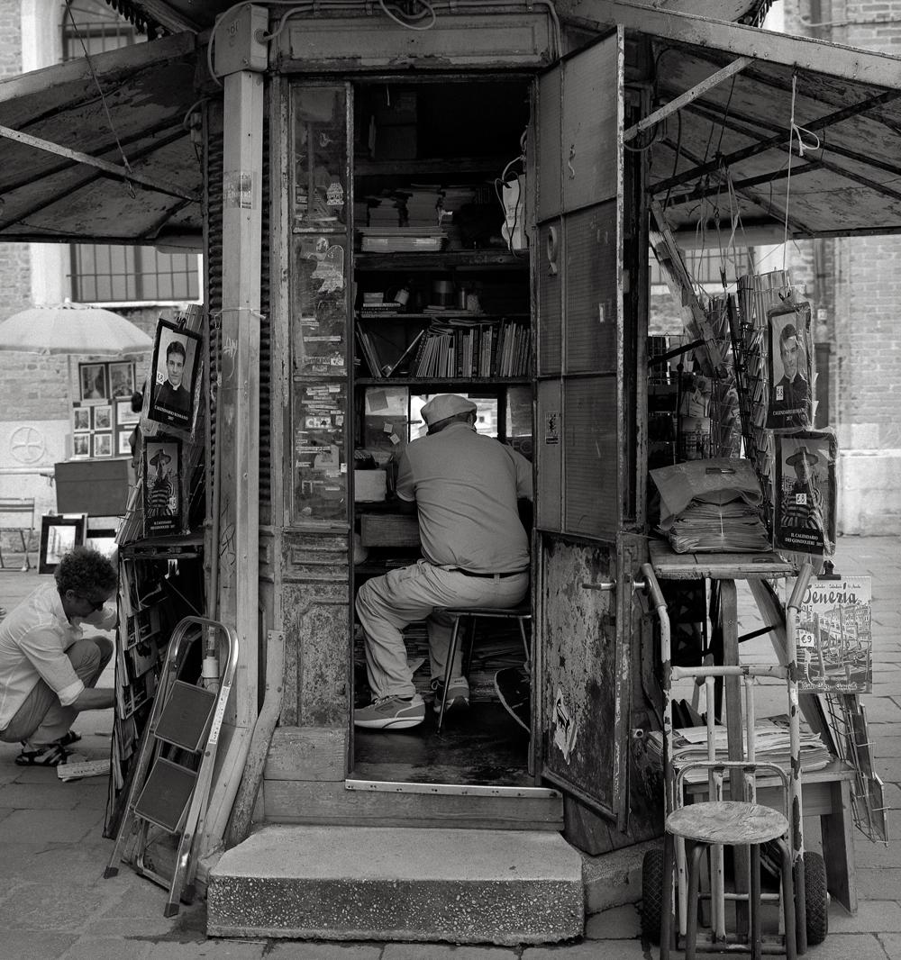 Newsstand, Venice