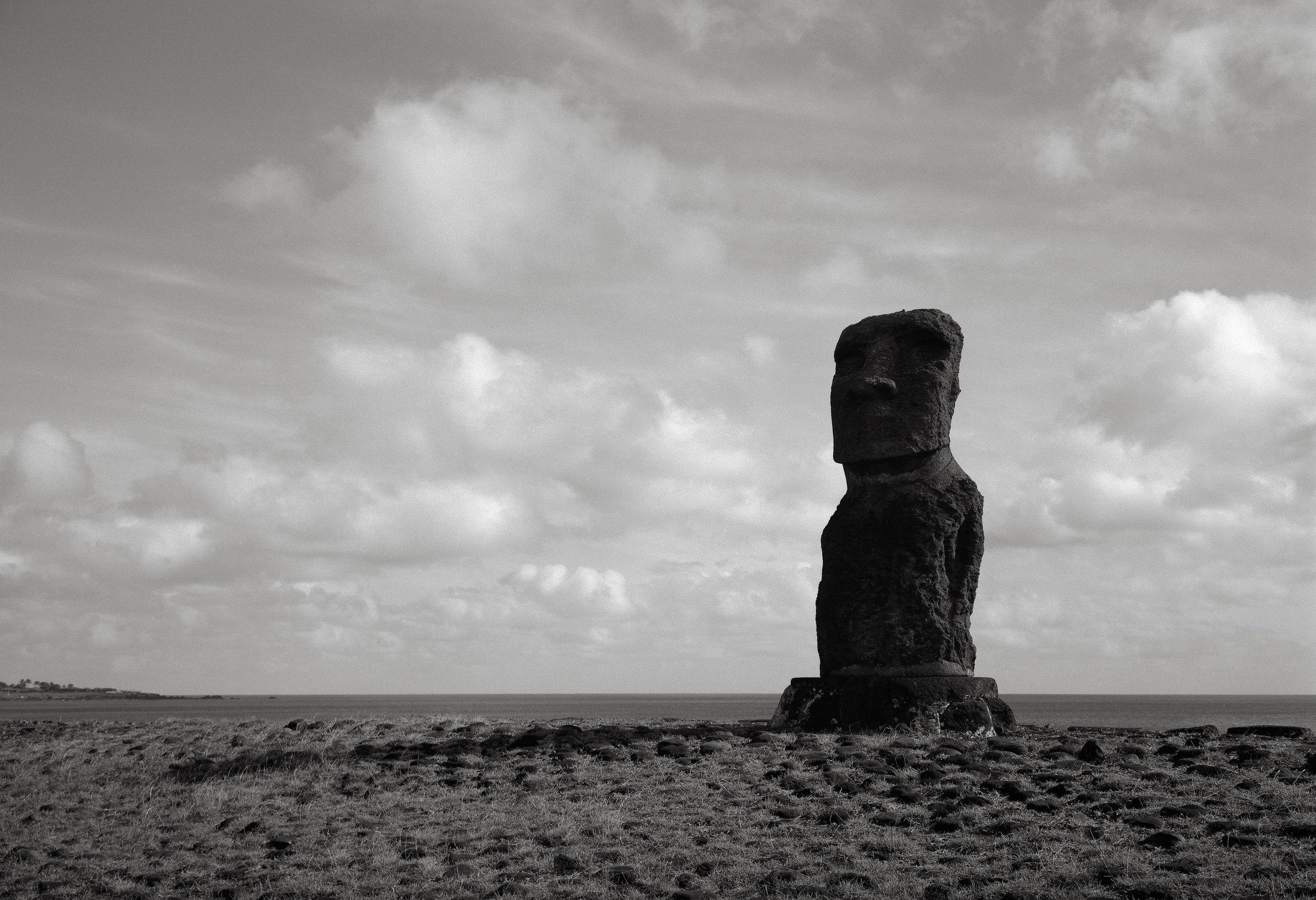 Moai, Hanga Kio'e, Easter Island