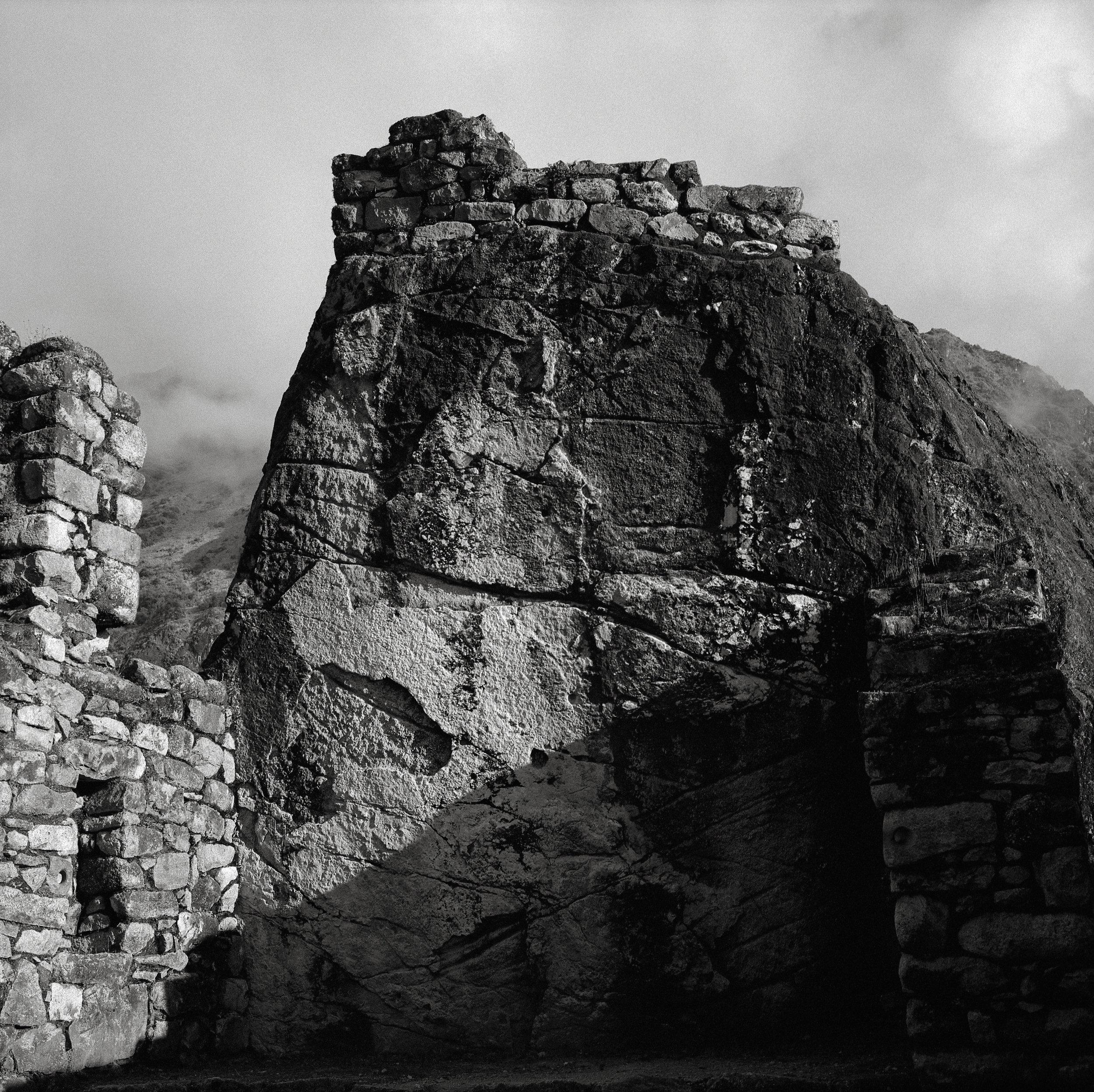 Altar, Sayacmarca, Peru