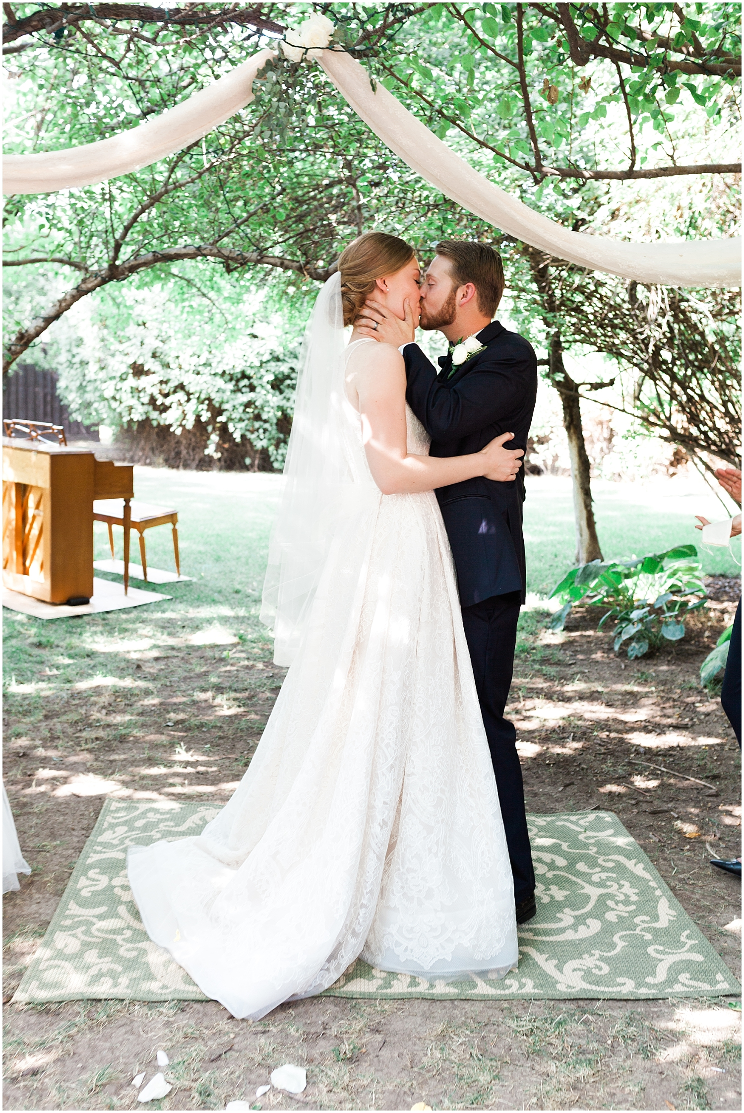 Rachel Reyes Photography-Utah Wedding Photographer-The Villa in Cedar Hills_0041.jpg