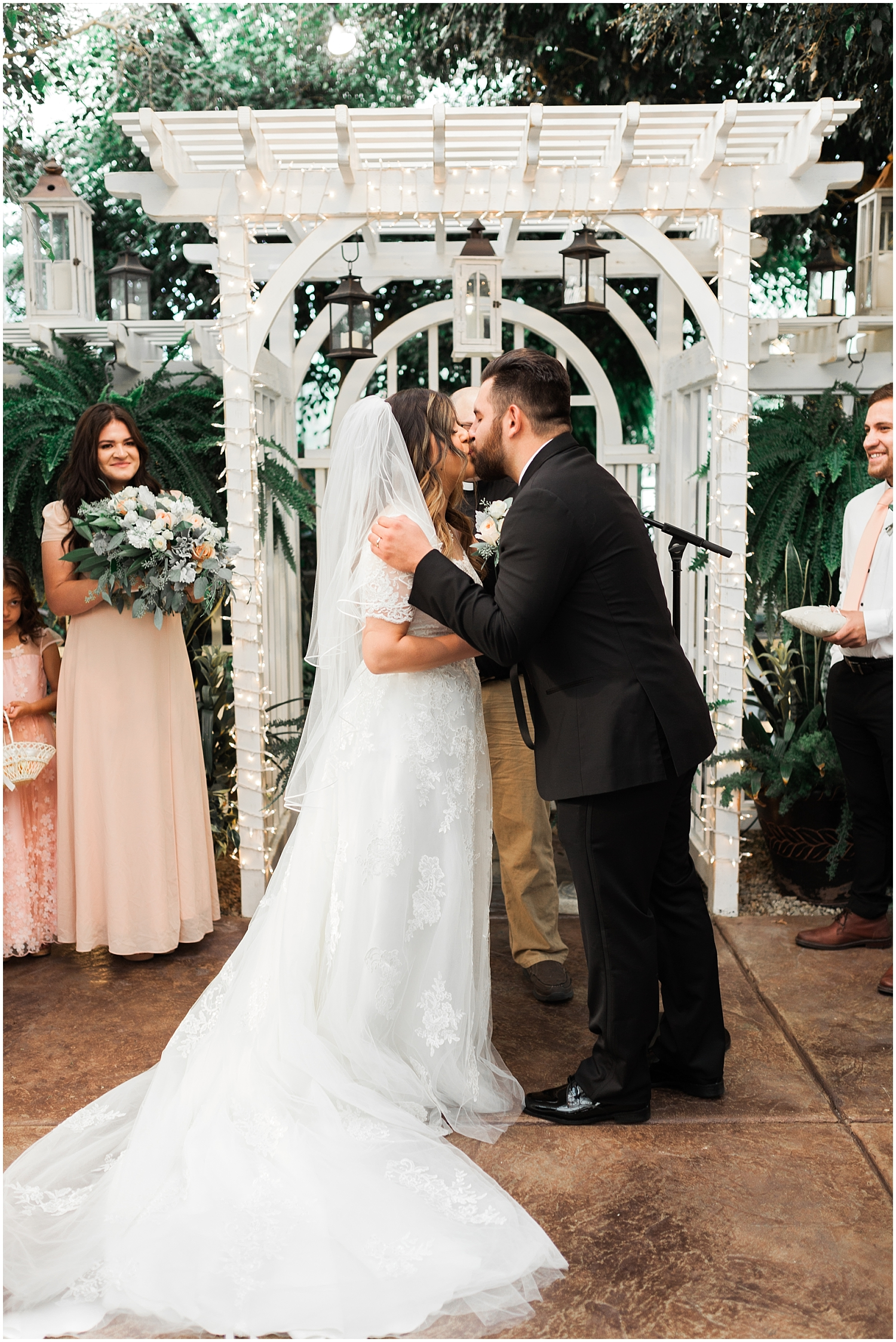 Rachel Reyes Photography-Utah Wedding Photographer-The Villa in Cedar Hills_0078.jpg