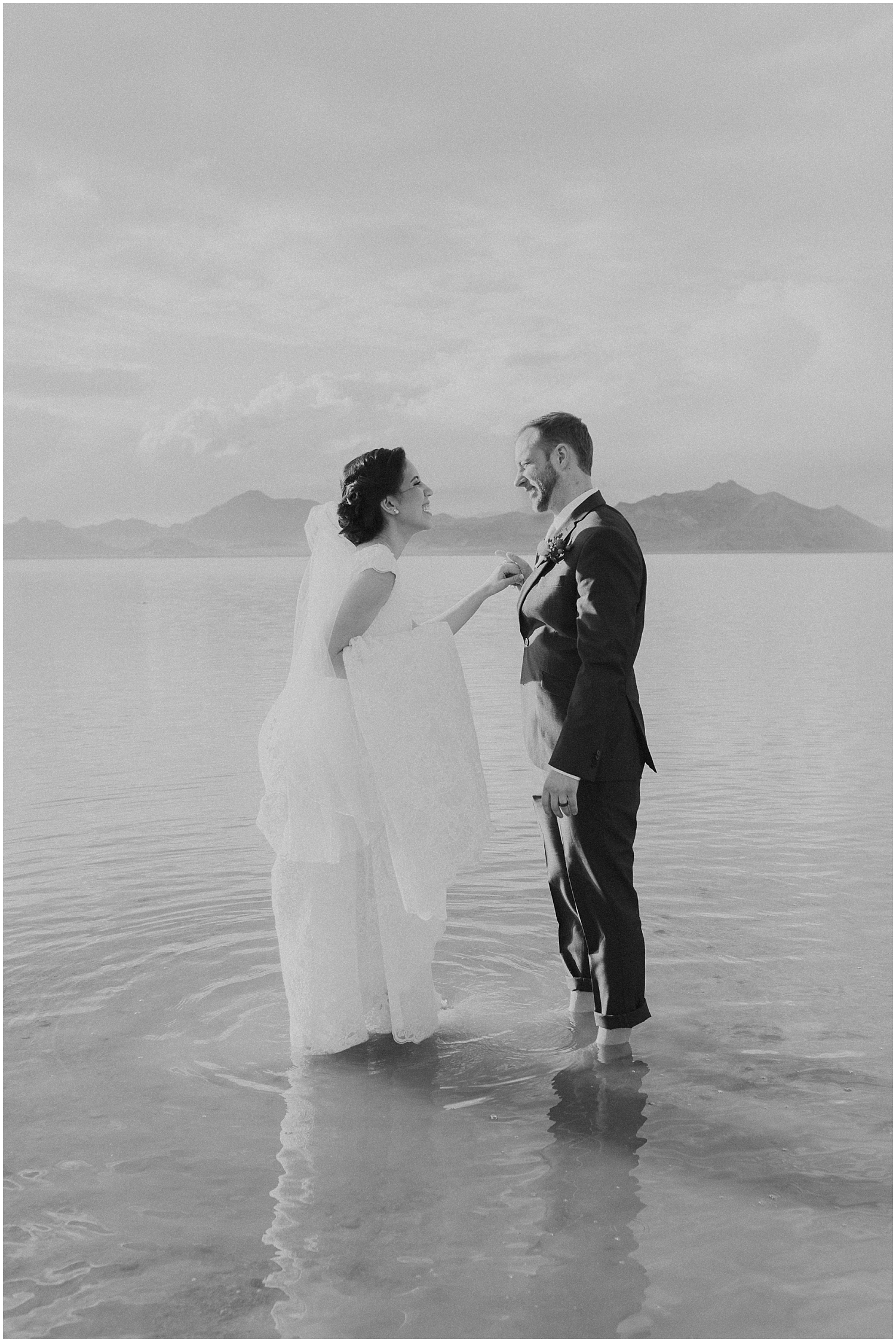 Bonneville Salt Flats Bridals-Ryan & Rachael-Rachel Reyes Photography_0141.jpg