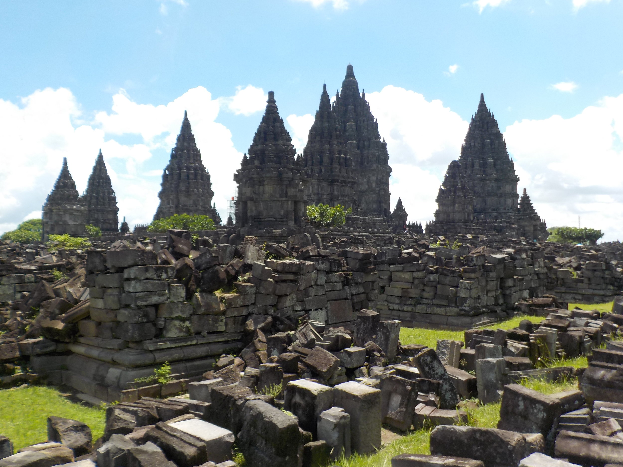 Hundreds of years of volcanic activity, looting, and an earthquake in 2006 caused significant damage to Prambanan