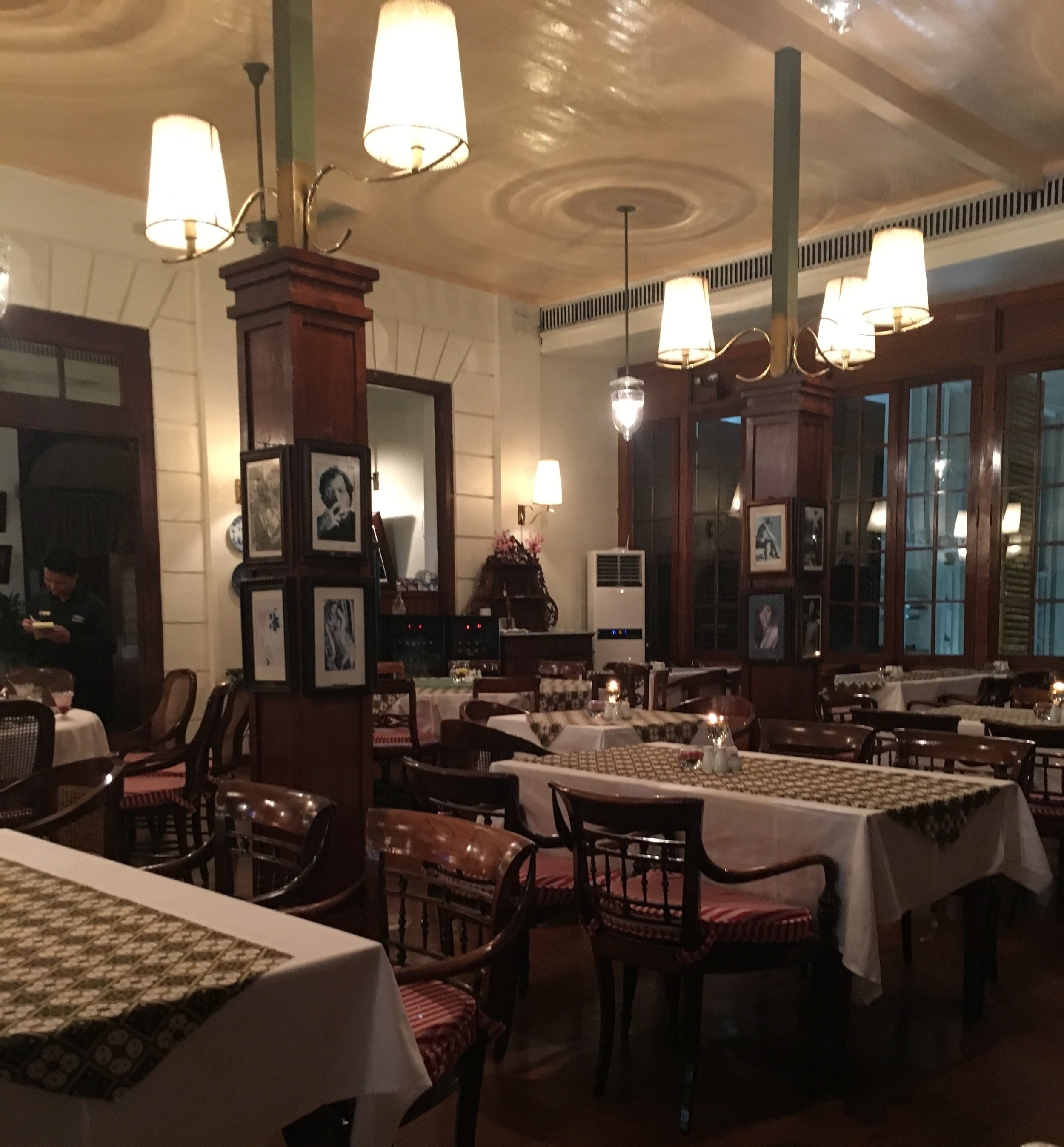 The stately Grand Salaon of the Batavia Cafe.