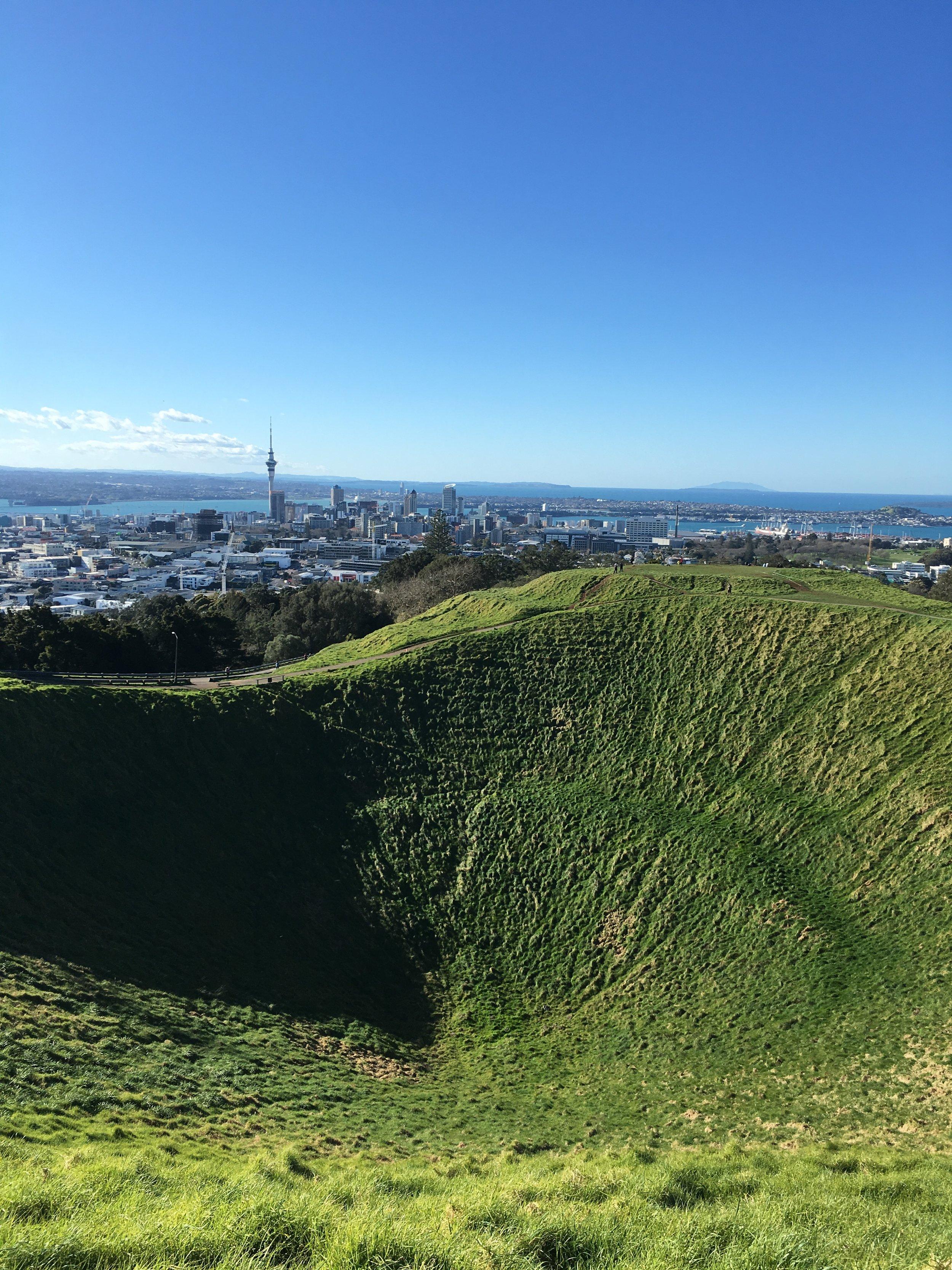 New Zealand: Auckland, Hot Water Beach, Waitomo, Rotorua