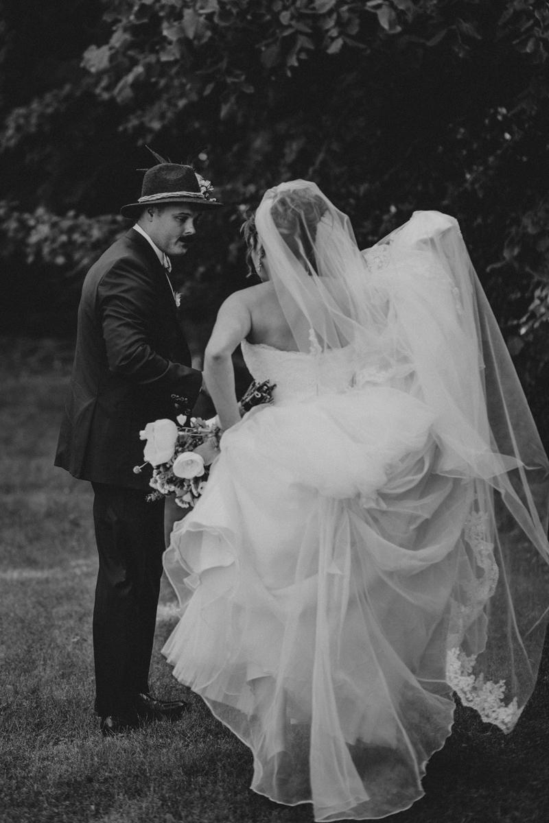 shaker_heritage_barn_wedding_0031.jpg