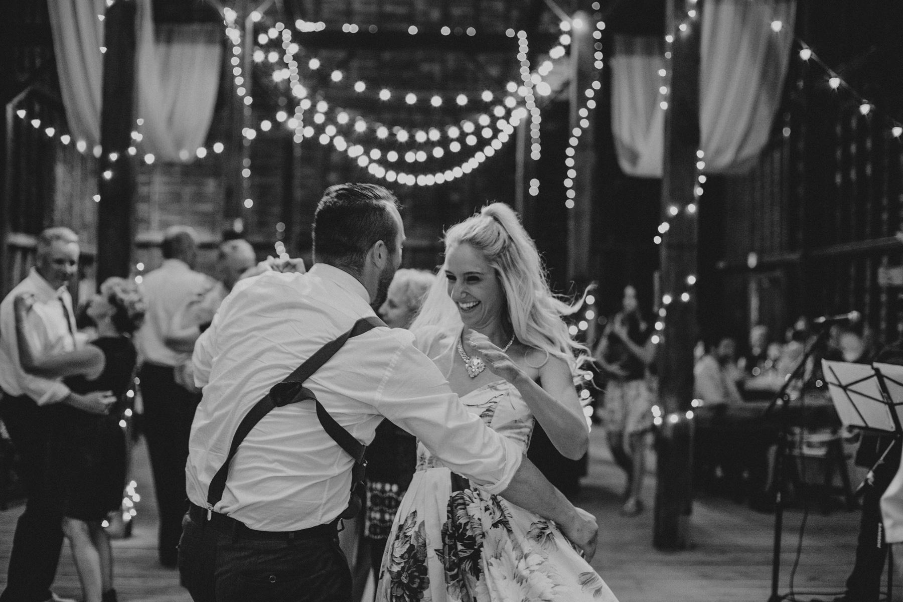 shaker_heritage_barn_wedding_0058.jpg