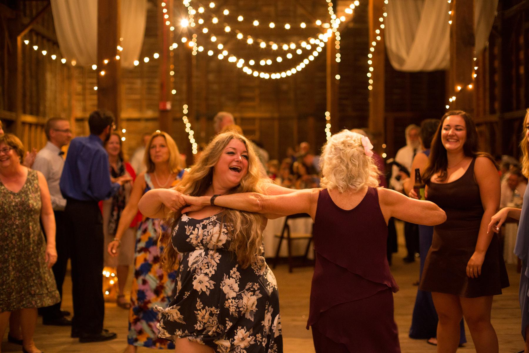 shaker_heritage_barn_wedding_0060.jpg