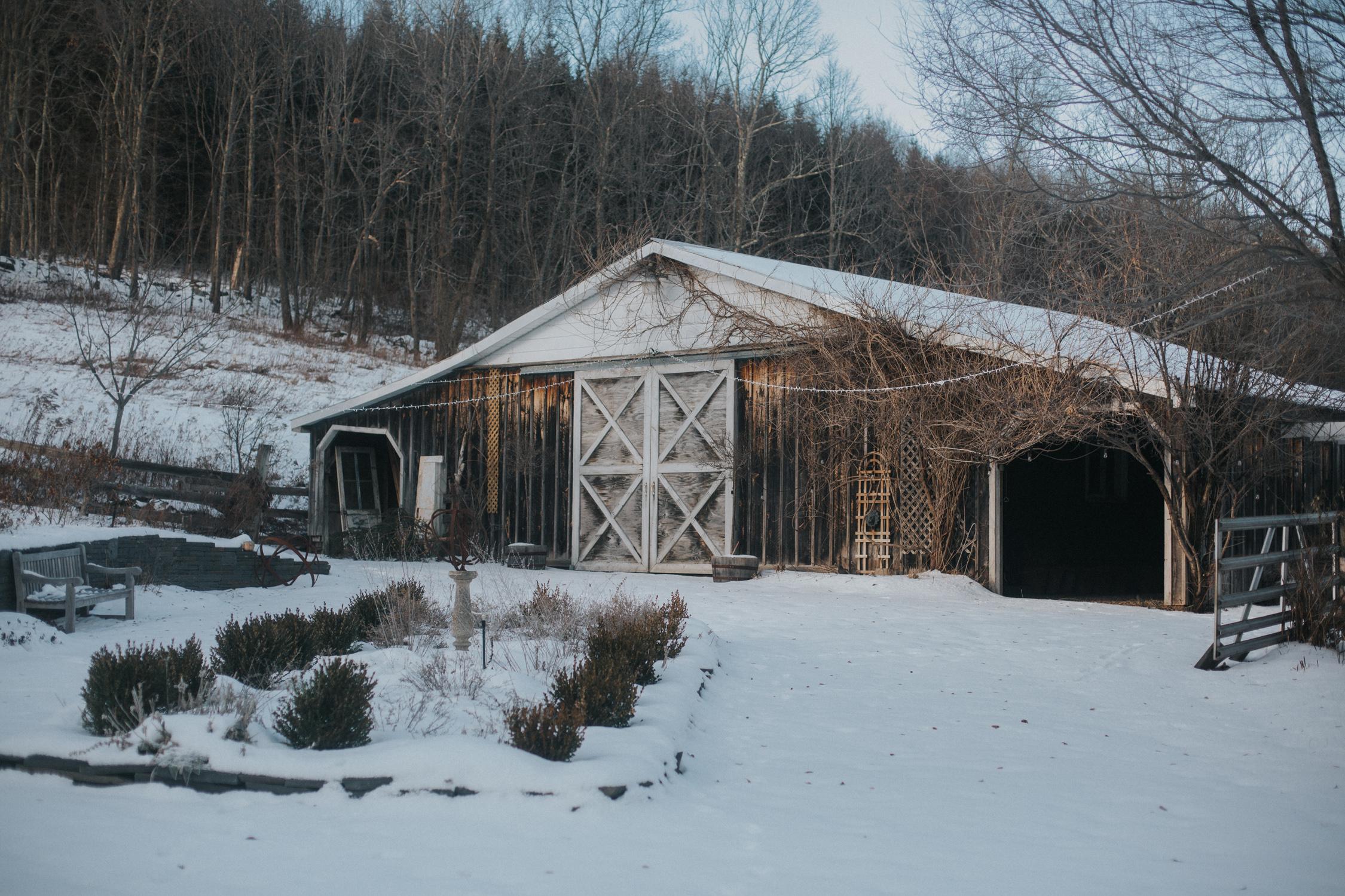 mnd_farm_winter_wedding_001.jpg