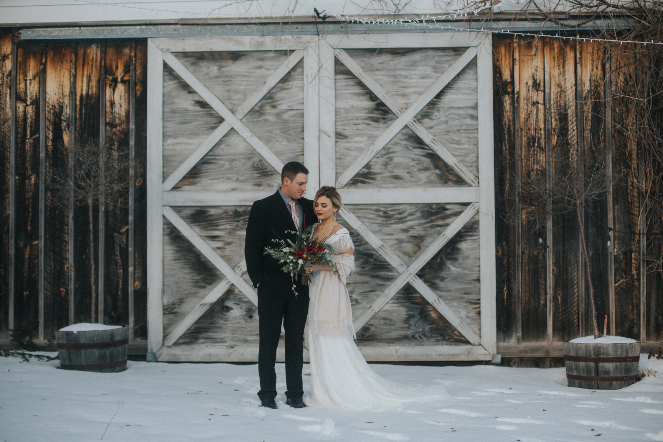 mnd_farm_winter_wedding_005.jpg