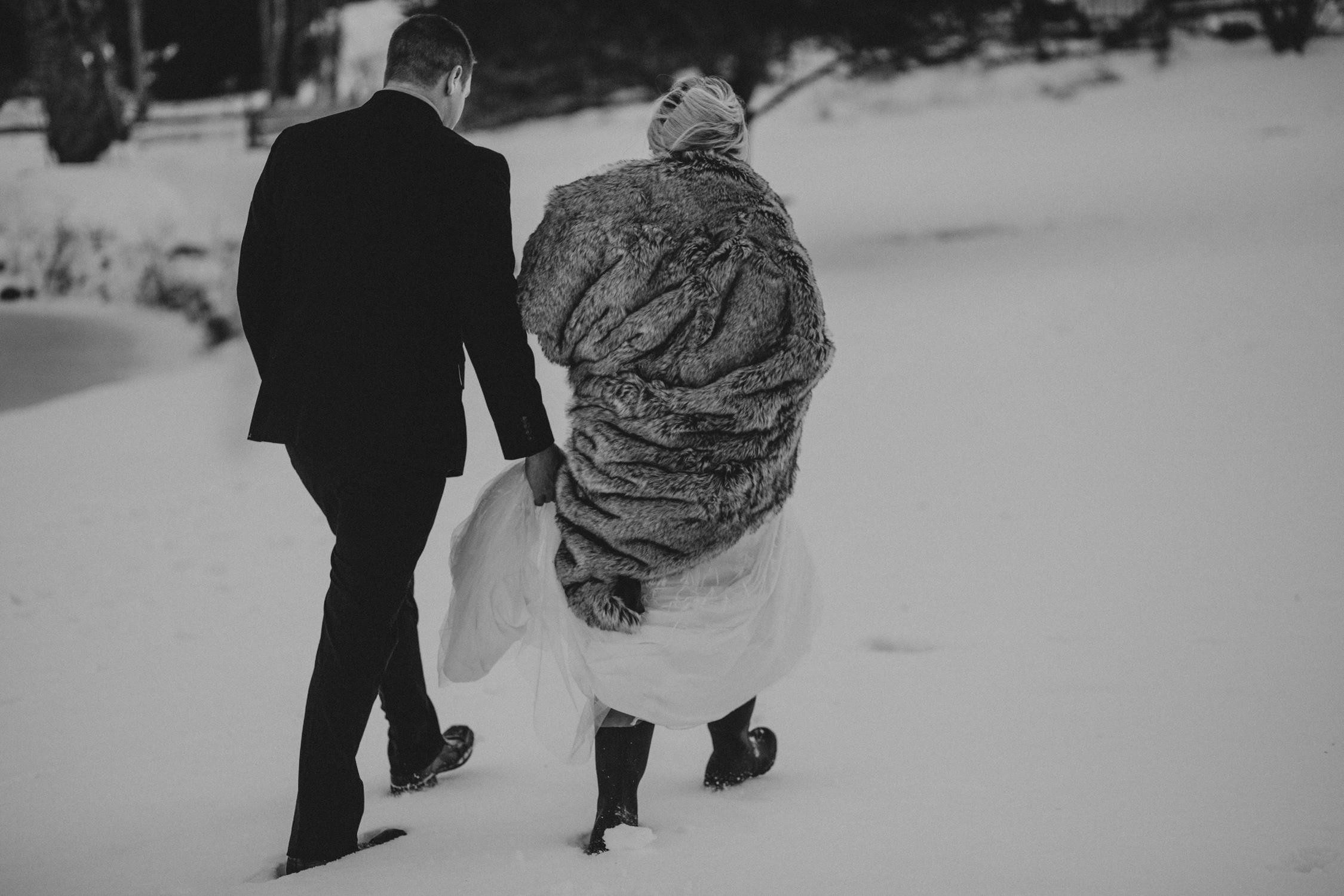 mnd_farm_winter_wedding_041.jpg