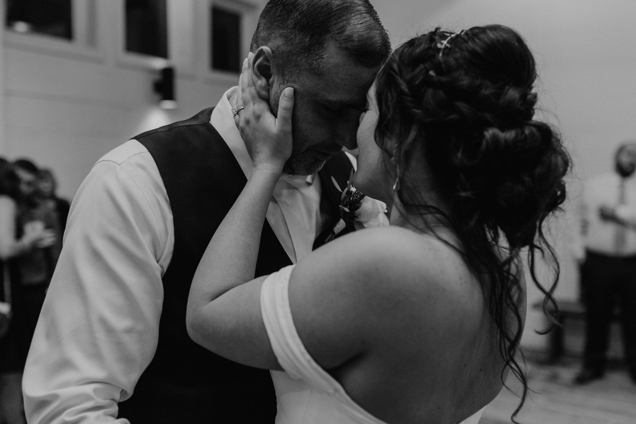 audreys_farmhouse_wedding_078.jpg